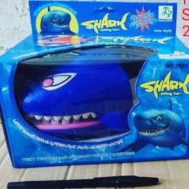 Mainan Shark + Musik + Lampu