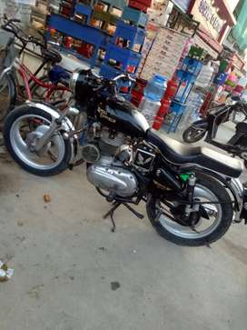 Right side gear wali hai , with good condition