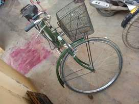 Ladies cycle.. excellent condition.. rs,