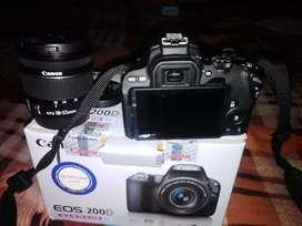 Canon d200 camera double lens