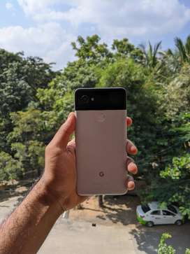 Google Pixel 2 XL | 64GB B&W | Under Warranty | 1Yr 10 Months Old