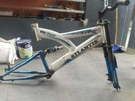 Rangka sepeda anak ukuran 20 inch.