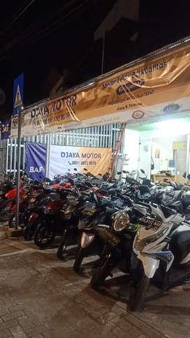500 aja uang mukanya di Djaya Motor S Parman