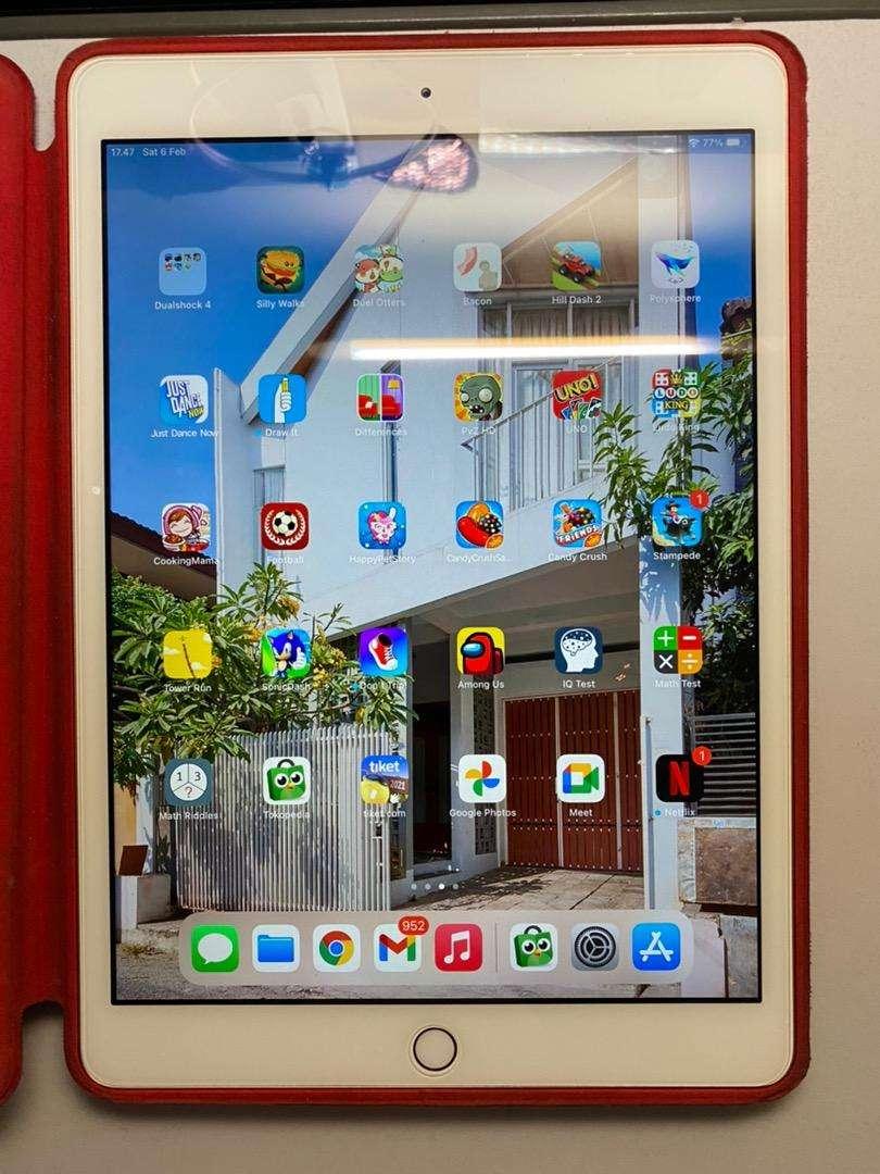 Apple iPad 7th Gen 32GB Rose Gold Fullset Like New