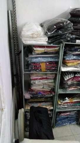 Menjual baju borongan