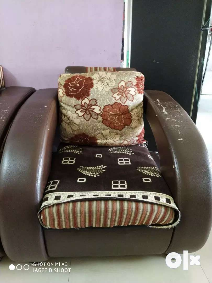 SOFA FOR SALE 0