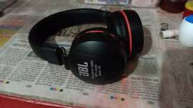 JBL HEADPHONE with SD card slot, Bluetooth connectivity, AUX input