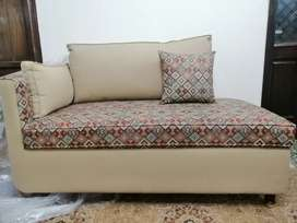 9 Seaters Sofa Set (2 Sofas With one Dewan)