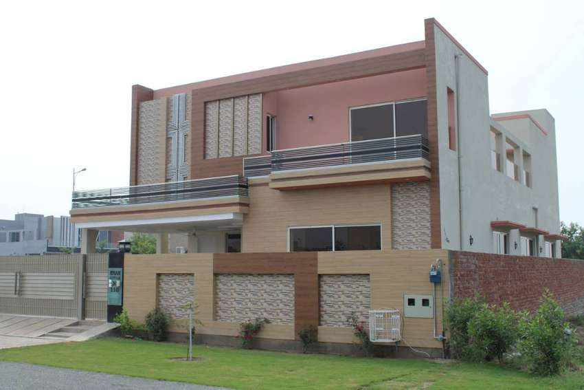 01 KANAL HOUSE FOR RENT IN BLOCK M IMMACULATE CONDITION 0