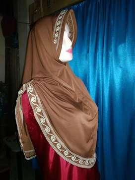 Jilbab coklat instan
