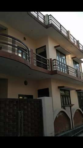 Ground floor for sale @ 40 lac aakriti Vihar turner road