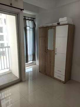 Apartement Gunawangsa Tidar 1BR+ Semi Furnish, View Pool dan City