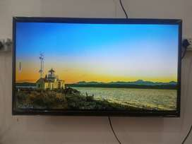 Out Put Dolby Audio Speaker LED TV, 32 Inches Smart TV