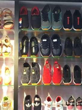 FOOTWEAR SHOP FOR SALE