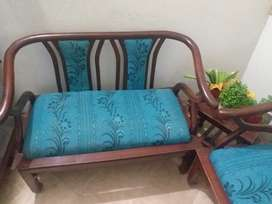3 pices sofa set  very low price with excellent  condition