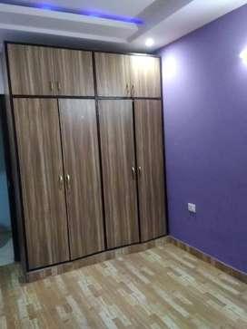 1 BHK, Builder floor flat for sale in Vasundhara, Sec-4.