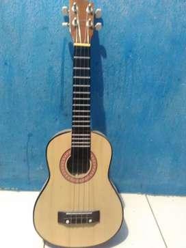 Gitar ukulele sinar 4