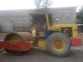 Road Roller with Vibration Available for Rent