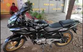 Pulser 220 f 2016 model 2nd owner invent sell