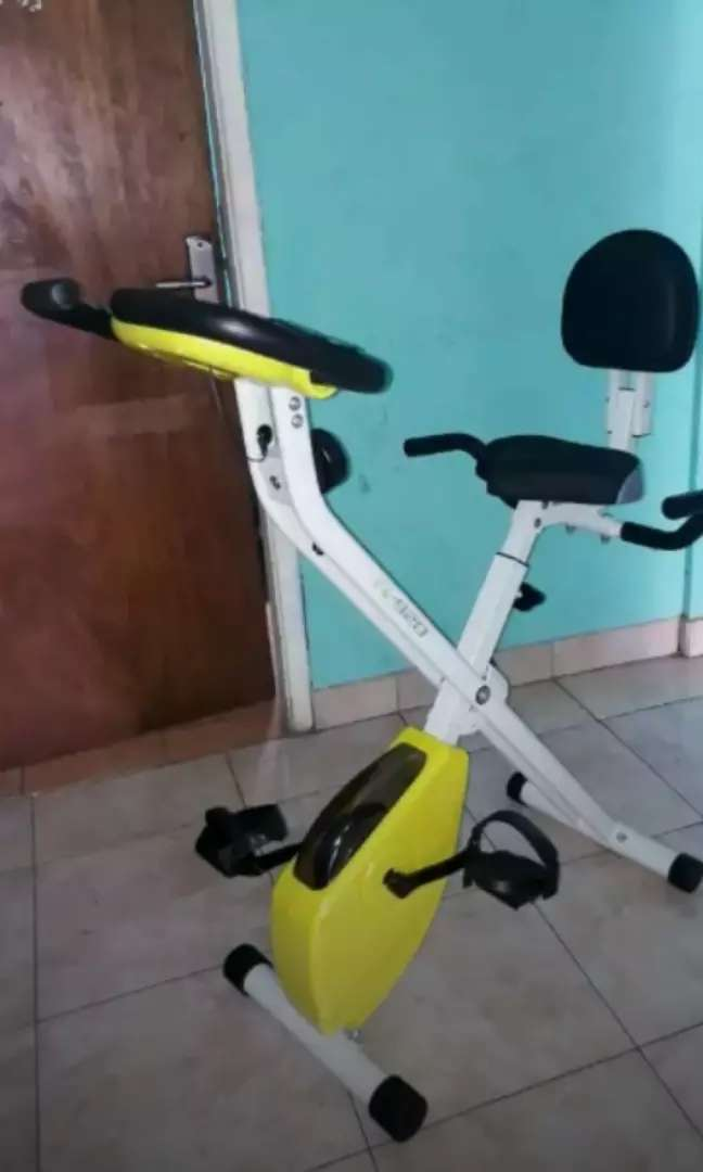 Sepeda statis maghnit kesehatan keluarga gressporty 0