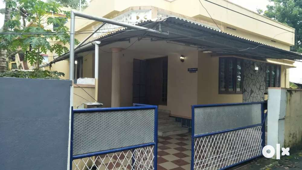 4.200cent 3bhk independent house for sale in elamakkara