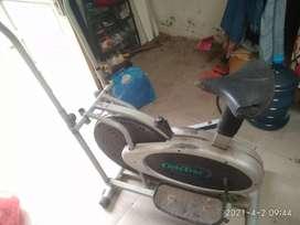 Alat olahraga fitnes sepeda