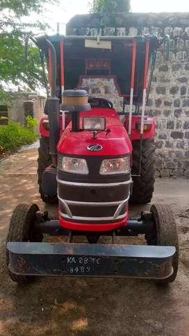 Mahidra vuvo 575D tractor for selling