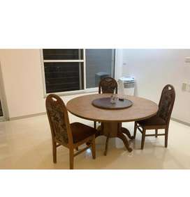 Round and Revolving Dining table with 6 chairs