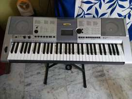 Yamaha I425  for Rs. 15000.00 No negotiation please. free stand+cover