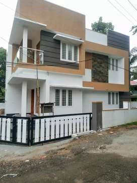 Ready to occupy 3 bhk 1300 sqft at paravur Aluva road thattampady