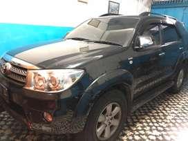 Fortuner Diesel 2.5G A/T  Hitam