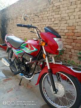 Lush condition Honda Pridor 2020 Red Applied for