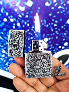 Korek api Zippo jenis gas silver bisa di isi ulang keren