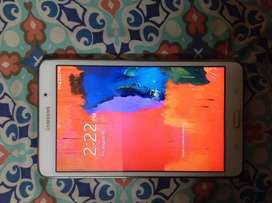 Samsung galaxy tablet S4 with box without sim