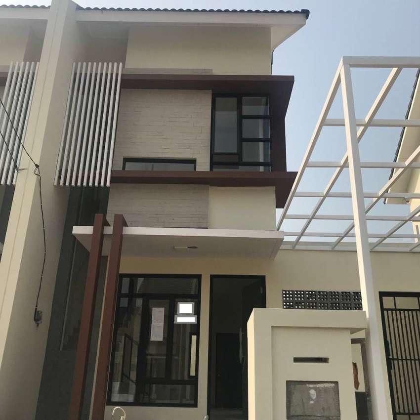 Rumah BARU SIAP HUNI 2 LANTAI Di Harapan Indah Bekasi Cluster Damar 0