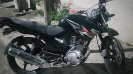 Good condtion yamaha Ybr black