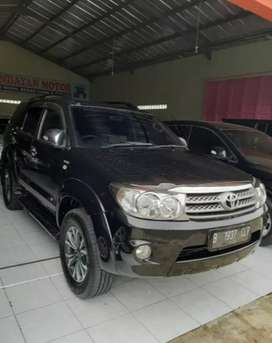 Toyota Fortuner 2010 Automatic Diesel
