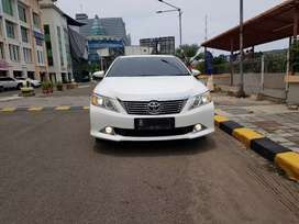 Toyota camry 2.5 V at 2013 camera 360 low km God Condition