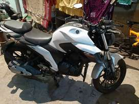 Want to sell my FZ25 WHITE colour