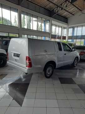 Toyota hilux diesel lengkap dengan AC dan power steering