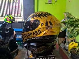 FS helm KYT repaint AGV Leopard Gold