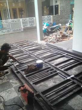 Tralis dan kanipi dari besi&baja ringan