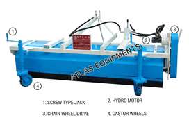 HYDRAULIC BROOMER MACHIN WITH BUCKET