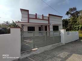 3 bhk 950 sqft 4 cent new build house at paravur Aluva road manakapady