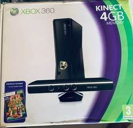 XBOX 360 Kinect 4GB with Controller and Games