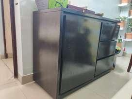 Urban ladder vector storage cabinet