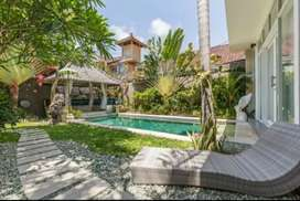Disewakan Bulanan villa cantik di Seminyak 3 bedrooms exclude listrik