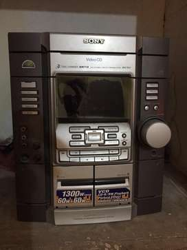 Sony amplifier with audio cassette player