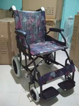Kursi roda travelling 868 hitam lipat