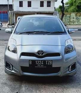 Toyota New Yaris 1.5 E MT Face Lift 2012 Medium Silver Istimewa Sekali